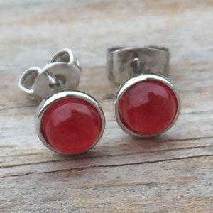 Red Jade round 5 mm silver stud earrings